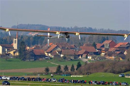 Solar-Impulse-First-Flight_APPhotoKeystone_Dominic-Faver-8
