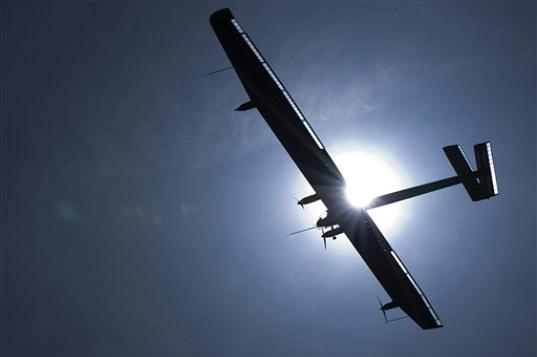 Solar-Impulse-First-Flight_APPhoto_Laurent-Gillieron-5